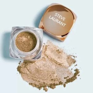 Steve Laurant Loose Powder Shadow in Antique Olive